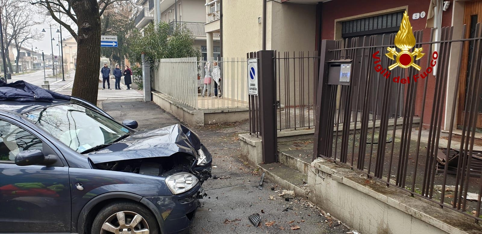 schianto auto incidente-2