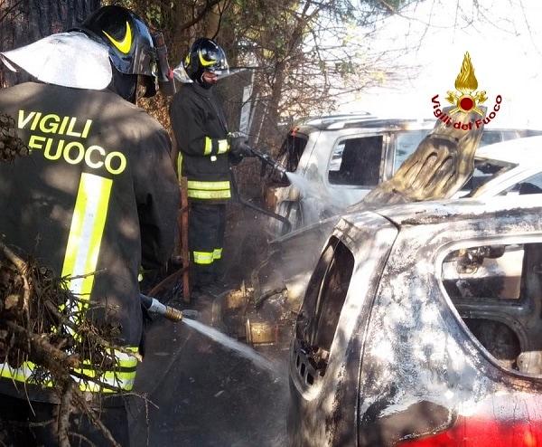 Incendio Macchine Due Carrare 2-2
