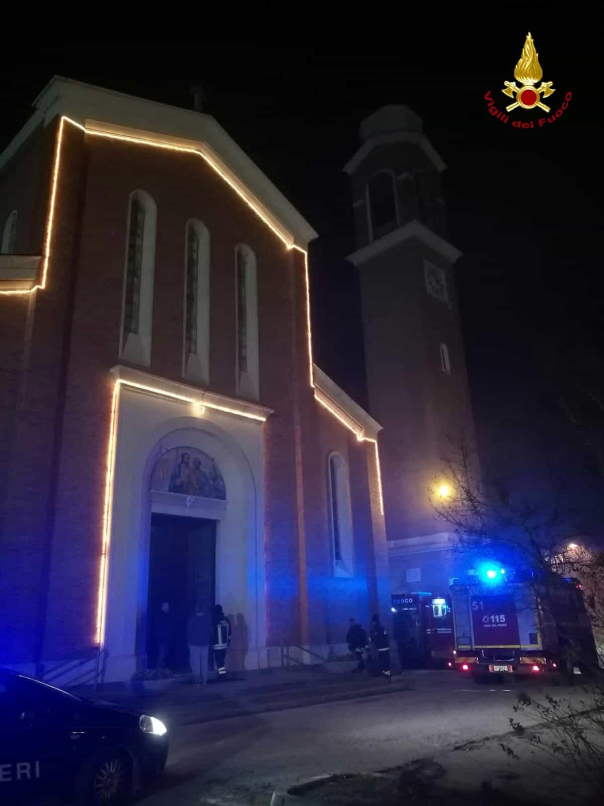Chiesa Creola fuoco-2