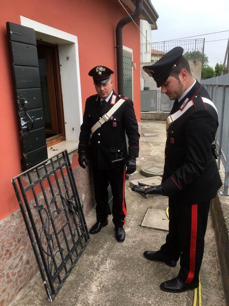 Carabinieri 1-2-2