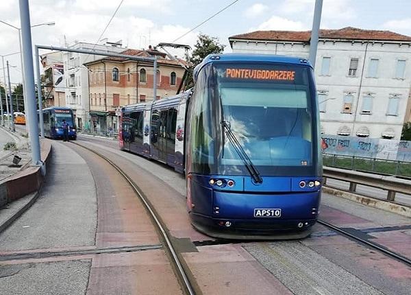 Tram deragliato-3
