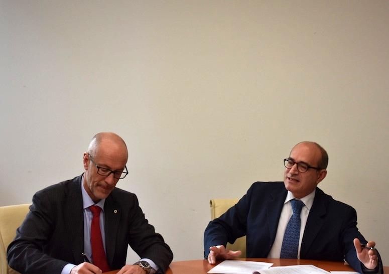 Croce_Verde_Firma_accordo_da_sx_Carlo_Bermone_Domenico_Scibetta-2