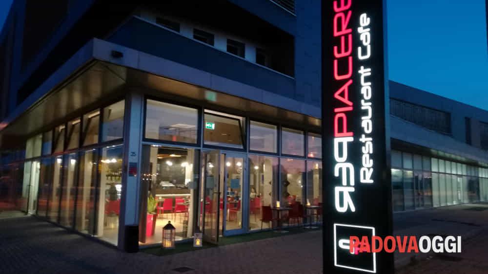 la cena degli sconosciuti al ristorante perpiacere restaurant cafe-6