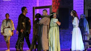 "le scatenate suore di ""una star in convento"" aprono sognando broadway 2015-2"
