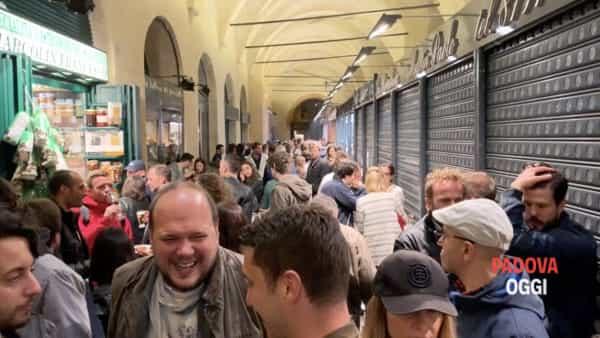"""Salone dei Sapori: dal """"piatto vegan"""" di Giuseppe Cruciani al """"cobra"""" della Rettore"""