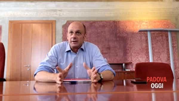 Lorenzoni replica all'opposizione: «Chi specula è un irresponsabile»