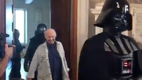Piero Angela e l'ingresso trionfale con le truppe di Star Wars al Cicap Fest