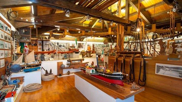 Visita, video-documentari con brindisi finaleal Museo della Navigazione Fluviale di Battaglia