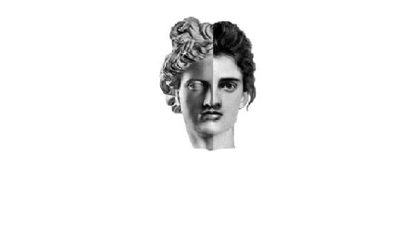 Antigone, spettacolo al Ridotto del teatro Verdi