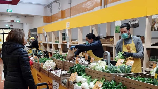 Coronavirus: apertura straordinaria al mercato coperto di Padova