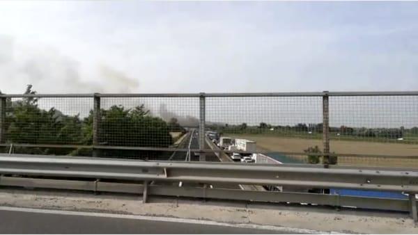 A fuoco mezzo pesante sulla A13