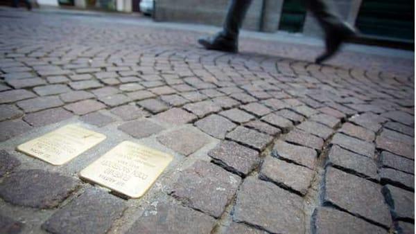 Cerimonia di posizionamento delle pietre d'inciampo in via Prati 7per ricordare le vittime dell'Olocausto