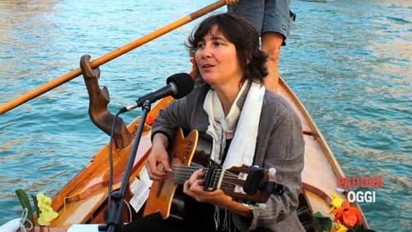 prentazione doppio cd book cantar venezia canzoni da battello di rachele colombo-2