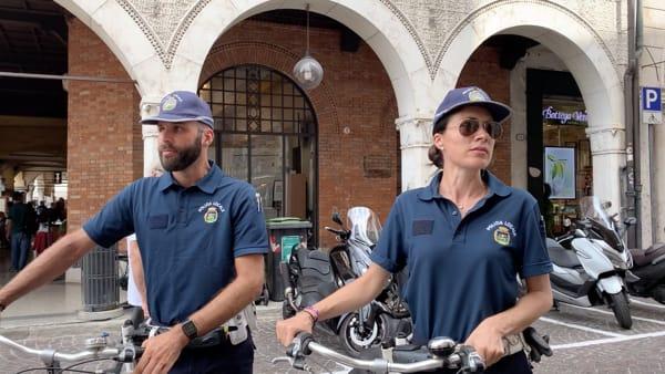 Polizia locale, le pattuglie in bicicletta