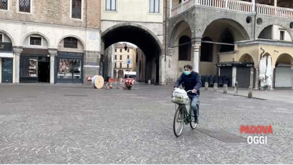 Piazze vuote, strade deserte e i Navigli che non aprono