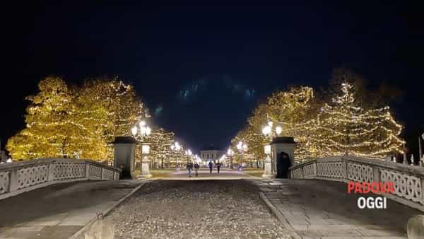 Prato della Valle con le luci di Natale