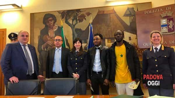 Permesso Di Soggiorno Per Il Valor Civile Per I Due Profughi Eroi Sono I Primi In Italia Il 8 Aprile 2019