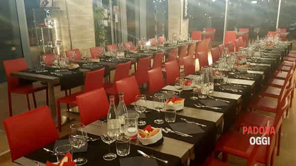 la cena degli sconosciuti al ristorante seafood bar di limena-2