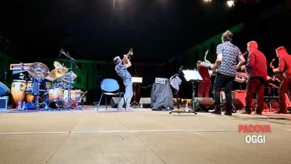 Paolo Fresu & Clacson Small Orchestra live Castello Festival