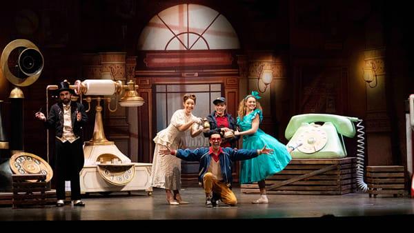 """Famiglie a teatro al Verdi con """"Favole al telefono"""""""