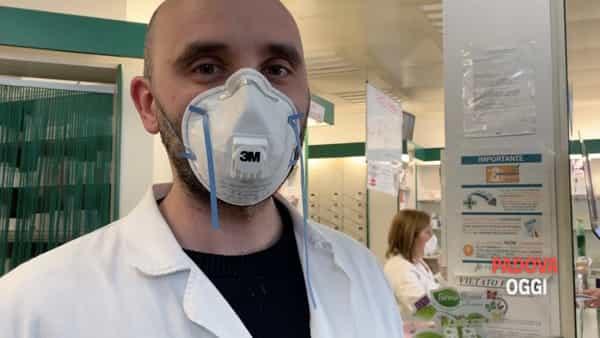 Dalla mascherina a come proteggere le mani, i consigli del farmacista
