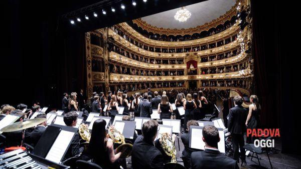 la gaga symphony orchestra chiude estate in arena-3
