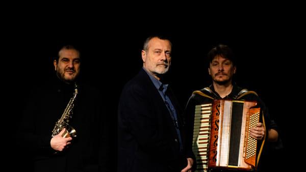 """Massimo Carlotto presenta """"Pensione Lisbona"""" con Maurizio Camardi e Sergio Marchesin al teatro Maddalene - Evento sospeso"""