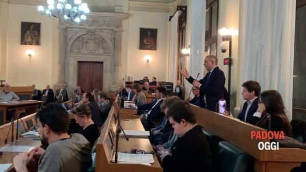Cavatton: «Lorenzoni candidato in Regione? Rimetta le deleghe»