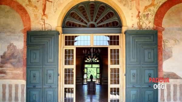 Un tour alla scoperta di Villa dei Vescovi e degustazione di vini vulcanici