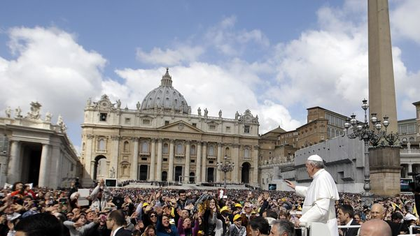 Papa Francesco in piazza San Pietro (fonte: web)