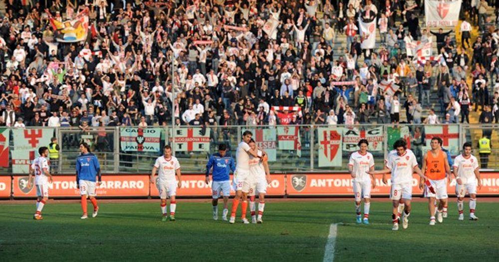 Calcio Per Bambini A Padova : Calcio padova notte brava per i calciatori a palermo. linea dura