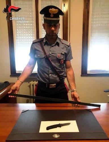 carabinieri abano spranga coltello-2