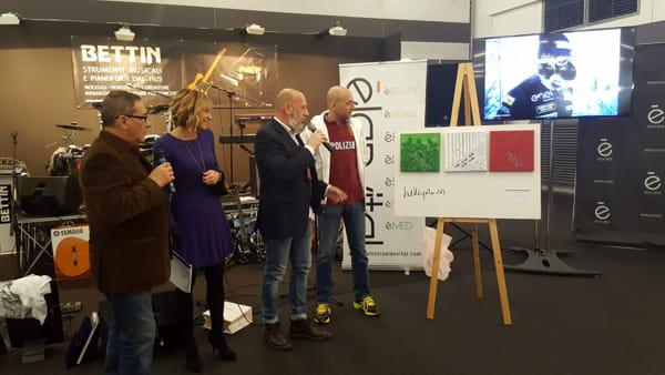 Paolo Venturini eroe in Fiera: in duecento omaggiano l
