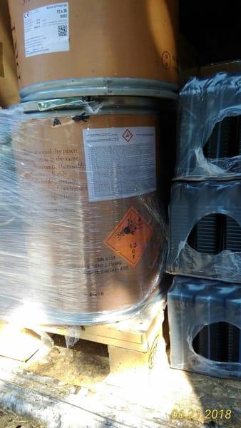 Materiali tossici e infiammabili a bordo di due autocarri