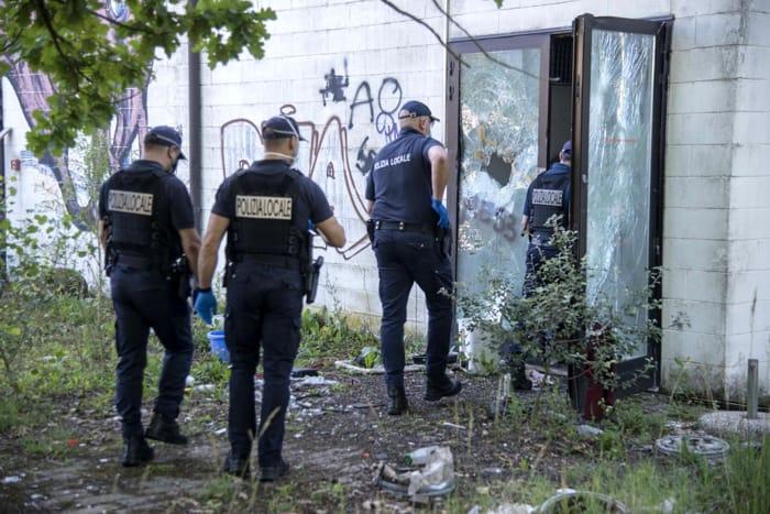 Il blitz della polizia locale all'Amusement Park