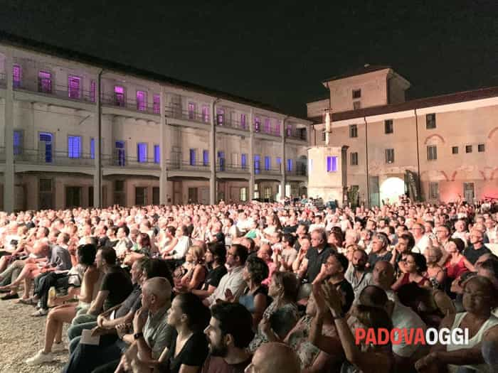 "La PFM con ""The very best tour"", le foto del live al castello Carrarese"