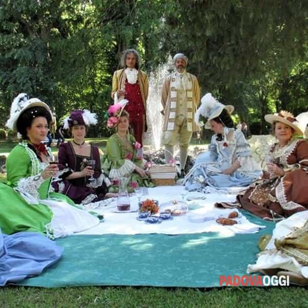 visita speciale e appuntamento con appassionati in costume per rivivere antiche atmosfere.