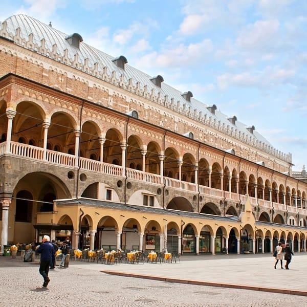 Palazzo-della-Ragione-2-4